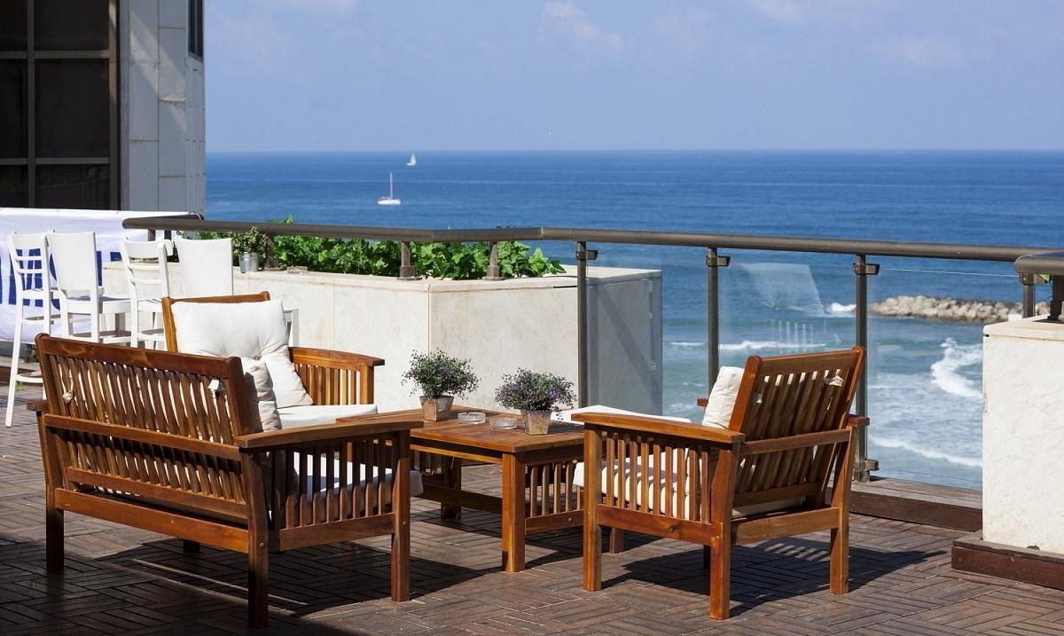 Balcony Daniel Herzelia Hotel